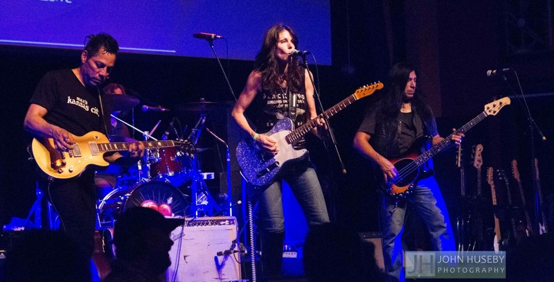 Pretending at Mystic Theater opening up for Petty Theft